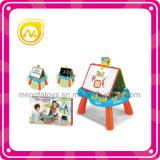 Bambino che impara il giocattolo della Tabella del gioco della Tabella