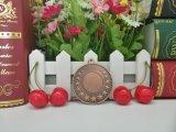 ブランクメダルを実行する3Dによって浮彫りにされる夏のイベントの金真鍮カラー