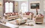 Tabella classica del tessuto del sofà dell'oggetto d'antiquariato di amore della presidenza classica della sede impostata con il blocco per grafici di legno per il salone