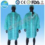 El doctor disponible Lab Coat o Nonwoven friega el vestido