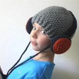 子供の子供レディース女の子の男の子の冬の雪の印刷の暖かい編まれた帽子の屋外のEarflapのかぎ針編みはキャップするヘッド耳のウォーマーのスキー飛行士耳のマフの帽子(HW619)を