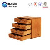 Het houten Kabinet van de Opslag met Vier Laden