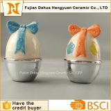 Frasco pequeno dos doces da forma cerâmica dos ovos de Easter para o presente de Easter