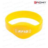 RFIDのリスト・ストラップ再身につけられるRFIDのブレスレット