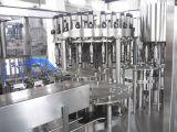 Het automatische Bier die van de Fles van het Glas en het Afdekken Machine vullen