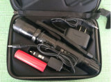 Heiße Sale Selbstverteidigung Equipment Flashlight Stun Gun mit Car Charger (SY-K99B)