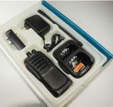 Chinois à deux bandes de radio À ONDES MÉTRIQUES de fréquence ultra-haute du talkie-walkie Lt-558UV