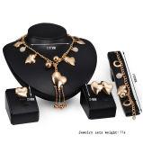 Insiemi dei monili dei braccialetti della collana di fascino del cuore dell'oro (C-XSST0061)