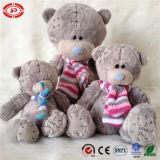 Плюшевый медвежонок игрушки плюша заплат связанный шарфом серый мягкий симпатичный