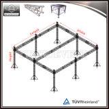 6 Pfosten, die Binder-Systems-flaches Dach-Binder beleuchten