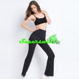 Ropa atractiva de la yoga para las mujeres