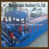 機械を形作る鉄シートの屋根瓦ロール
