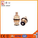 Chargeur en laiton de robinet de noyau de valve