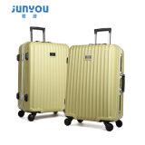 中国の製造者の安い価格多くのカラー使用できるトロリースーツケース走行旅行荷物