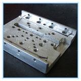 Les pièces de machines de commande numérique par ordinateur usinant des pièces fabrique l'usinage de haute précision