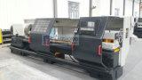 Tubo di CNC del paese dell'olio del foro di asse di rotazione 320mm che filetta la macchina del tornio (QK1332)