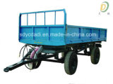 트레일러를 기울이는 농업 트랙터
