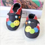 Il bambino del bambino del trattore a cingoli calza 01