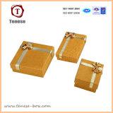 Boîte de bijoux d'or élégante de papier d'art