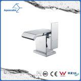 Robinet R-U de mélangeur de bassin de vestiaire de salle de bains de taraud de bassin passé au bichromate de potasse par laiton petit