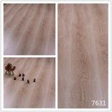 光沢度の高い積層の木製の床の極度の光沢のある積層のフロアーリング