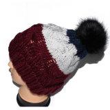 Sombrero colorido hecho a mano de la gorrita tejida del paño grueso y suave POM POM del invierno de las lanas del telar jacquar