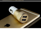 O mini USB duplo move o carregador do carro para o iPhone ou a Samsung etc.