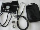 Sphygmomanometer aneróide com o estetoscópio principal duplo