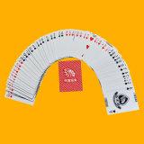 Изготовленный на заказ покер играя карточек с лоснистой залакированной поверхностью