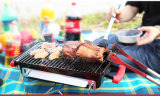Campingのための携帯用Mini Table Top Charcoal Barbecue Grill