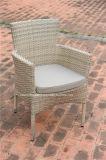 옥외 등나무 정원 고리 버들 세공 식탁 및 의자