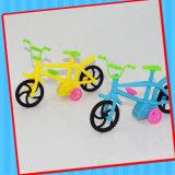 Пластичная супер игрушка Bike с конфетой