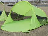 Trasporta lo schermo di Sun istante schioccano in su la baracca del riparo della tenda di ombrello della spiaggia della famiglia