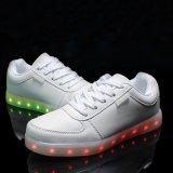 Zapatos unisex con pilas LED de los zapatos con cordones ligeros luminosos del resplandor
