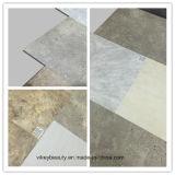防水PVCタイルのビニールのフロアーリングおよび摩耗の抵抗力がある大理石の健全な絶縁体