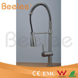 중국 Sanitary Ware는 Spray Cold와 Hot Water Chromed Brass Spring Kitchen Faucet를 당긴다 Down