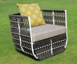 Sofá al aire libre de mimbre del estilo de los muebles del ocio del jardín del hotel de la rota europea moderna determinada del patio (F868)