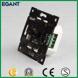 Hinterkante einzelner Pole auf und weg von LED-Dimmer-Schalter