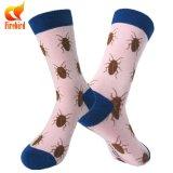 Calcetines ocasionales de la dimensión de una variable animal rosada de los calcetines para la muchacha