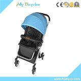 Passeggiatore piegante del pareggiatore del bambino con il passeggiatore del peso leggero della sede di automobile