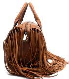Sacchetti di cuoio delle signore delle borse di colori differenti con bello cuoio