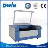 Цена Acrylic ткани гравировального станка автомата для резки лазера СО2 деревянное