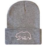 習慣は赤ん坊の帽子の帽子によって編まれた冬の帽子を刺繍した