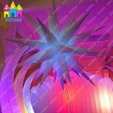 Soffitto che fa pubblicità alla stella gonfiabile del partito LED di illuminazione della decorazione di cerimonia nuziale dell'aerostato