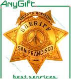 Badge en métal plaqué en laiton avec logo et forme personnalisés