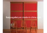 De rode Moderne Garderobe van het Triplex