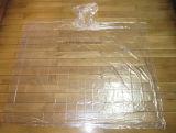Transparenter Entwurfs-Wegwerfplastikregen-Poncho-freier Raum