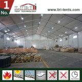 Tenda del magazzino utilizzata come sosta di logistica