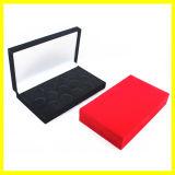 Черная и красная прямоугольная коробка подарка