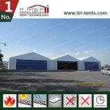 De grote Tent van de Hangaar van Vliegtuigen voor de Opslag en het Herstellen van Vliegtuigen